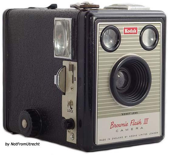kodak brownie flash iii camera information the brownie camera page. Black Bedroom Furniture Sets. Home Design Ideas