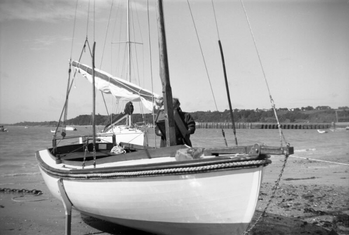 Sylvain35 - Traditional boat - Cancale (France) - Kodak No.2F Brownie - Ilford FP4+